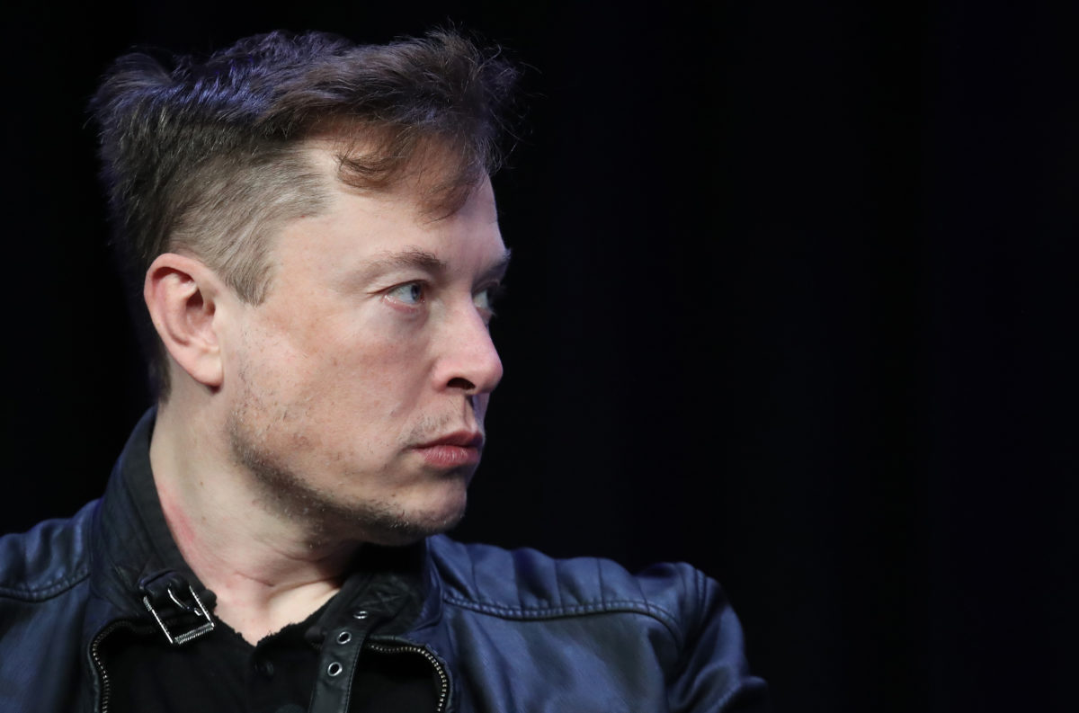 Grimes' Mom Blasts Elon Musk for
