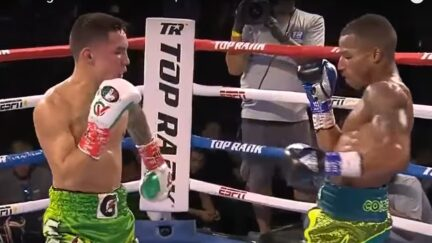 Boxing judge admits scoring error in Oscar Valdez-Robson Conceicao fight