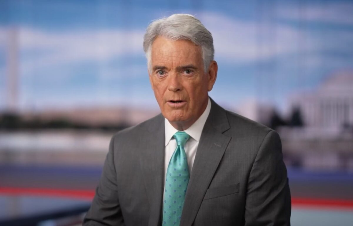 Fox News' John Roberts Deletes Tweet Saying That Death of Colin Powell Raises 'New Concerns' About Vaccines